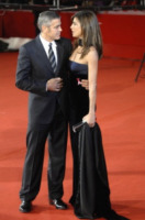 Elisabetta Canalis, George Clooney - Milano - 17-10-2009 - Talia Balsam: ma che hai fatto a George Clooney?