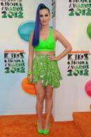 Katy Perry - Los Angeles - 31-03-2012 - Il nuovo trend: si chiama top crop e lascia la pancia scoperta
