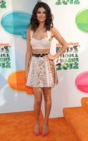 Selena Gomez - Los Angeles - 31-03-2012 - Il nuovo trend: si chiama top crop e lascia la pancia scoperta