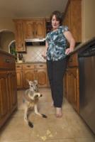 Jeni Dreis, Mike - Spring - 04-04-2012 - Un canguro per Kayla: è diventato il suo migliore amico