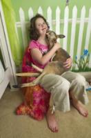 Kayla Dreis, Mike - Spring - 04-04-2012 - Un canguro per Kayla: è diventato il suo migliore amico