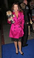 Lisa Vanderpump - Los Angeles - 06-04-2012 - Jennifer Lopez come Audrey Hepburn