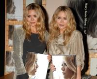 Mary-Kate Olsen, Ashley Olsen - Westwood - 12-11-2008 - Le star che non sapevate avessero un gemello