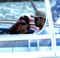 Eduardo Cruz, Eva Longoria - Miami - 19-11-2011 - Le star migrano con lo yacht