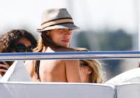 Elisabetta Canalis - Cannes - 17-05-2011 - Le star migrano con lo yacht
