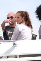 Minka Kelly - Miami - 15-03-2011 - Le star migrano con lo yacht