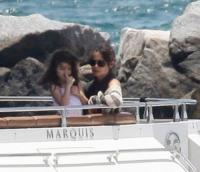 Suri Cruise, Katie Holmes, Tom Cruise - Miami - 19-06-2011 - Le star migrano con lo yacht