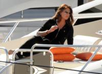Paola Perego - Sanremo - 15-02-2009 - Le star migrano con lo yacht