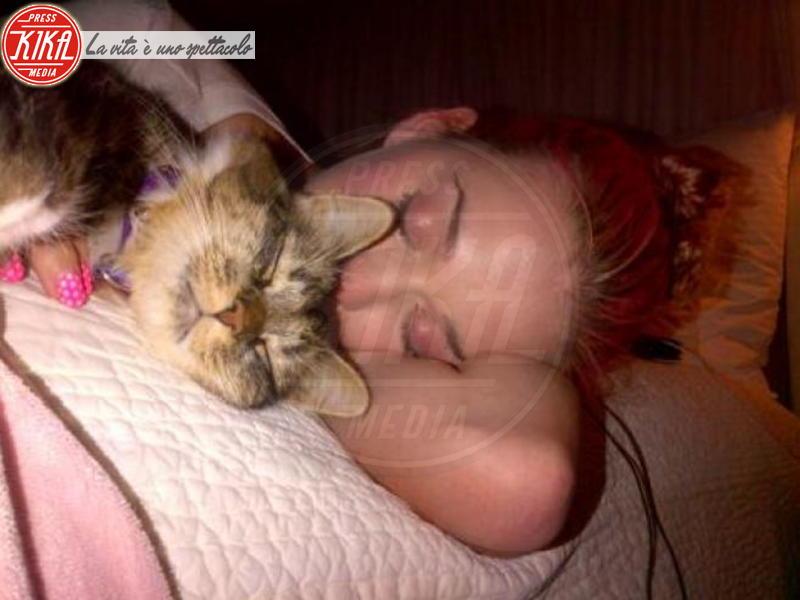 Katy Perry - Milano - 06-03-2012 - Dormirebbero tutto il giorno, ma solo per una buona causa