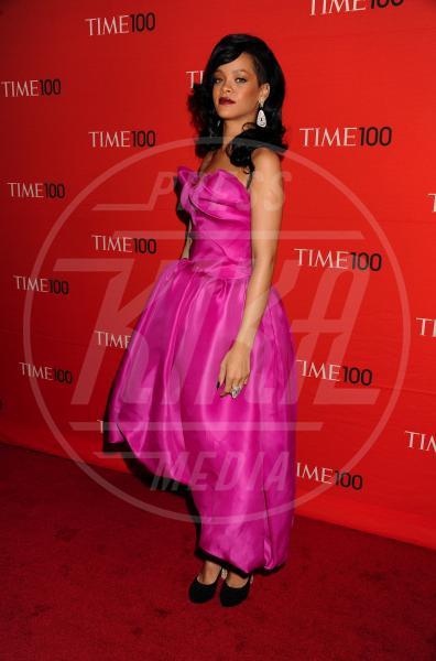 Rihanna - New York - 24-04-2012 - Quest'anno la primavera è tutta fucsia!