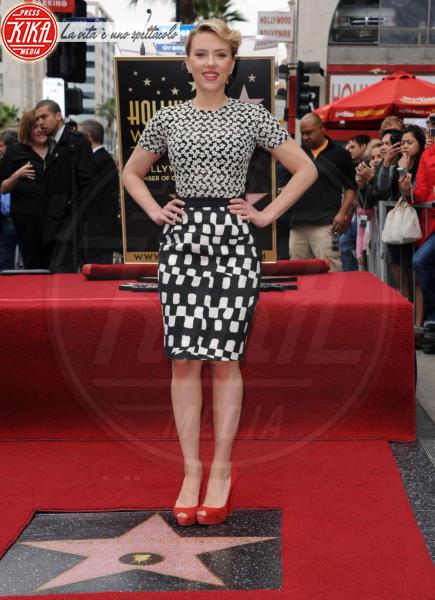 Scarlett Johansson - Hollywood - 02-05-2012 - Sul red carpet, l'optical è… l'optimum!