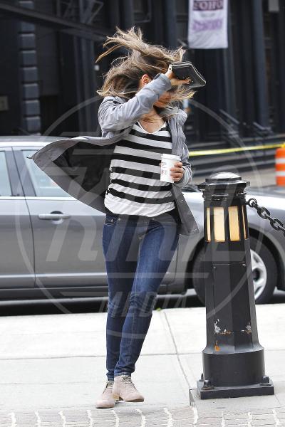Mila Kunis - New York - 07-05-2012 - La foca grigia che si sente una star