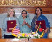 Sheikh Hasina, Hillary Clinton - Dhaka - 10-05-2012 - Hillary Clinton: