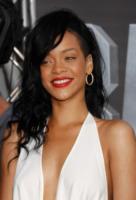Rihanna - Los Angeles - 10-05-2012 - Rihanna nega di aver fatto uso di cocaina al Coachella