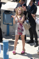 Claudia Gerini - Taranto - 11-05-2012 - Paglia, vimini & corda: ecco le borse dell'estate!