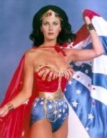 Lynda Carter - Palm Springs - 12-05-2012 - La diva molestata: