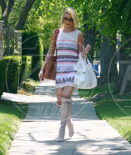 Katherine Heigl - Los Angeles - 14-05-2012 - Il ritorno dell'abito dalla linea a trapezio