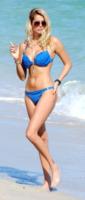 Natalia Bush - south beach - 25-12-2011 - Olé! Sanremo ci consegna la nuova Regina di Spagna