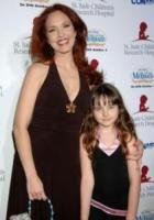 Stella, Amy Yasbeck - Beverly Hills - 17-09-2006 - La Sirenetta aiuta i bambini malati