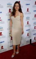 Danica McKellar - Beverly Hills - 17-09-2006 - La Sirenetta aiuta i bambini malati