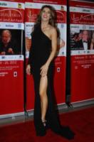 Elisabetta Canalis - Los Angeles - 25-02-2012 - Le gambe: elementi di fascino da ostentare anche d'inverno