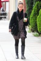 Jessica Alba - Los Angeles - 18-02-2011 - Tutti pazzi per lo smoothie! Ecco come si dissetano i VIP
