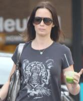 Emily Blunt - Beverly Hills - 24-01-2012 - Tutti pazzi per lo smoothie! Ecco come si dissetano i VIP