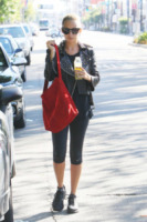 Nicole Richie - Los Angeles - 10-10-2011 - Tutti pazzi per lo smoothie! Ecco come si dissetano i VIP