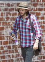 Ashton Kutcher - Hollywood - 23-07-2011 - Tutti pazzi per lo smoothie! Ecco come si dissetano i VIP