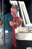 Emma Stone - Los Angeles - 13-03-2011 - Tutti pazzi per lo smoothie! Ecco come si dissetano i VIP