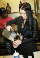 Lindsay Lohan - Beverly Hills - 26-04-2010 - Tutti pazzi per lo smoothie! Ecco come si dissetano i VIP