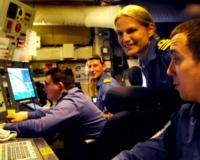 Sarah West - Faslane - 22-05-2012 - Affari hot sotto coperta: sospeso il comandante donna
