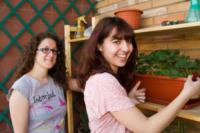 """Chiara Mazzapioda, Laura Mosconi - Roma - 22-05-2012 - Laura e Chiara: """"Ecco come si coltiva l'orto sul balcone"""""""