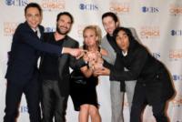 Simon Helberg, Jim Parsons, Johnny Galecki, Kaley Cuoco - Palm Springs - 06-01-2010 - Il cast di Big Bang Theory insieme per ottenere un aumento