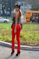 Belen Rodriguez - Milano - 06-10-2011 - Il jeans: 140 anni e non sentirli. Da James Dean a Rihanna