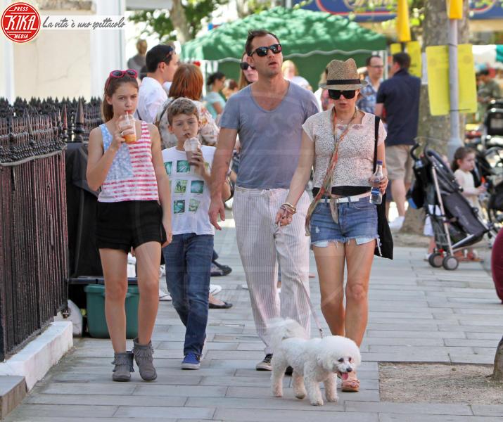 Rudy Law, Iris Law, Sadie Frost, Jude Law - Londra - 27-05-2012 - Jude Law ci ricasca: quinto figlio in arrivo…dalla ex!