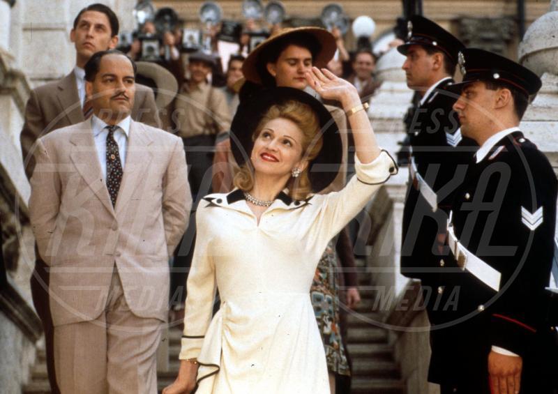 evita film, Madonna - Hollywood - 11-06-2002 - Buon compleanno Madonna, 56 anni sulla cresta dell'onda