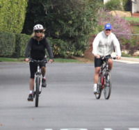 Kurt Russell, Goldie Hawn - Pacific Palisades - 19-11-2011 - Lo sport? Decisamente è meglio in coppia...