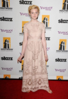 Elle Fanning - Beverly Hills - 24-10-2011 - Bianco o colorato, ecco il pizzo d'inverno