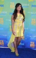 Demi Lovato - Universal City - 07-08-2011 - Bianco o colorato, ecco il pizzo d'inverno