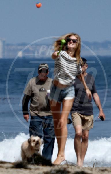 Anche i VIP in spiaggia con i fidati amici a quattro zampe