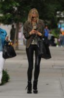 Karolina Kurkova - New York - 05-06-2012 - Gli smartphone influenzeranno l'evoluzione dell'uomo