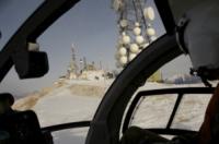 FORESTALE ELICOTTERISTI BELLUNO - Belluno - 06-01-2012 - Gli elicotteristi della forestale entrano in azione
