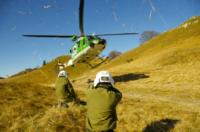 10-11-2011 - Gli elicotteristi della forestale entrano in azione