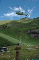 FORESTALE ELICOTTERISTI BELLUNO - Belluno - 10-07-2006 - Gli elicotteristi della forestale entrano in azione