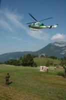 FORESTALE ELICOTTERISTI BELLUNO - Belluno - 06-07-2006 - Gli elicotteristi della forestale entrano in azione