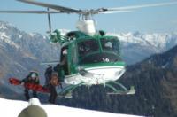 FORESTALE ELICOTTERISTI BELLUNO - Belluno - 21-02-2007 - Gli elicotteristi della forestale entrano in azione