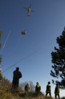 FORESTALE ELICOTTERO missione - Belluno - 11-11-2011 - Gli elicotteristi della forestale entrano in azione