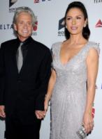 Catherine Zeta Jones, Michael Douglas - Los Angeles - 15-10-2011 - L'anello nuziale di Catherine Zeta-Jones è tornato al suo posto
