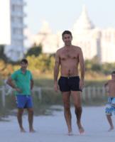 Alessandro Costacurta - Miami - 26-12-2011 - 19 marzo, festa del papà o festa dei DILF?